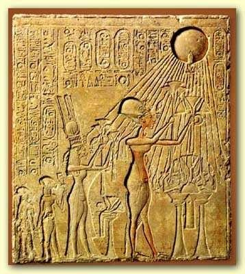 Akhenaten and Nefertiti worshipping Aten in the form of the sun-disc